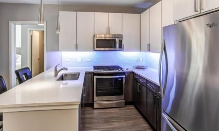 State-of-the-Art Kitchen | Lombard Illinois Apartments | Apex 41