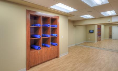 Spacious Resident Yoga Room | Lombard Apartments | Apex 41