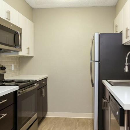 Modern Kitchen | Lakewood Apartments Colorado | Waterfront