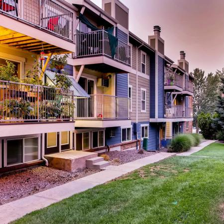 Apartment Homes in Lakewood, CO | Waterfront Apartments
