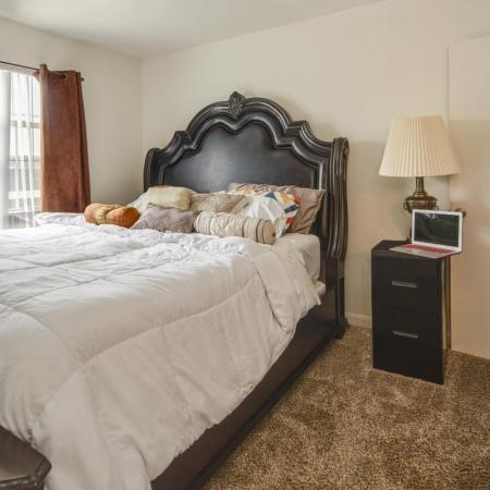 Elegant Master Bedroom   Apartments Arvada CO   Allison Pointe