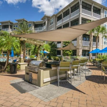 Azure Apartments - Grill Area