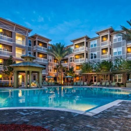 Azure Apartments - Pool