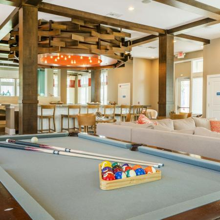 Azure Apartments - Billiards