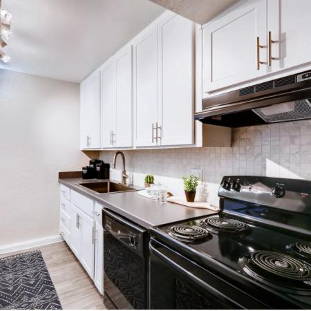 Modern Kitchen | Scottsdale AZ Apartment For Rent | The Glen at Old Town Apartments