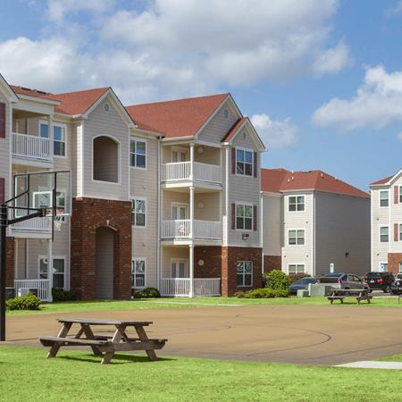 Community Basketball Court | Apartments Near Uncw Campus | Aspire 349