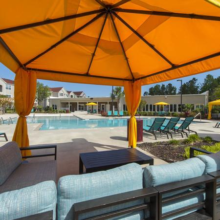 Beautifully Landscaped Grounds | Apartments Near Uncw Campus | Aspire 349