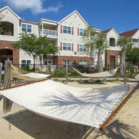 Expansive Grounds | Apartments Near Uncw Wilmington Nc | Aspire 349