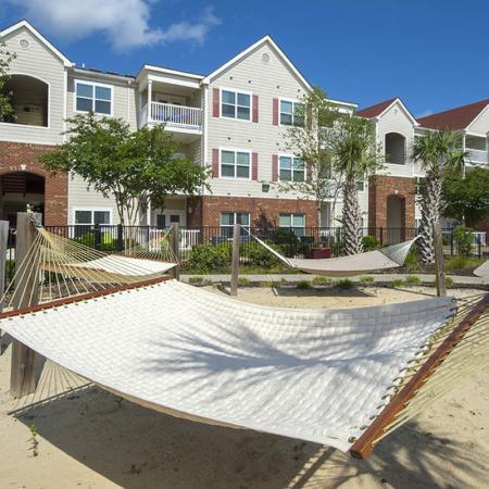 Expansive Grounds | Apartments Near Uncw Wilmington Nc | Aspire 349