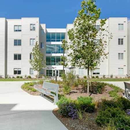 exterior courtyard | purdue student apartments | aspire at discovery park