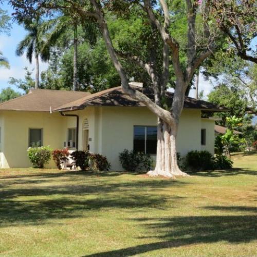 2-Bedroom single famly historic home on Wheeler