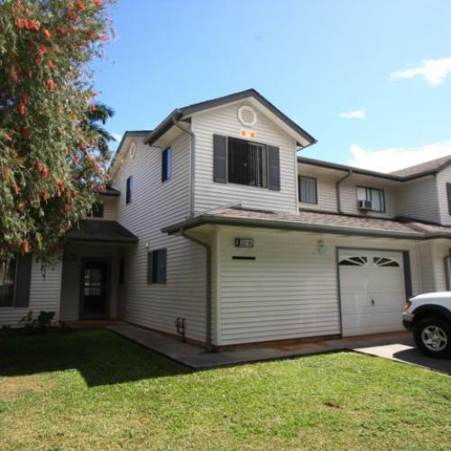 3-bedroom rennovated two story townhome on Schofield, with 1-car garage, fencd in yard