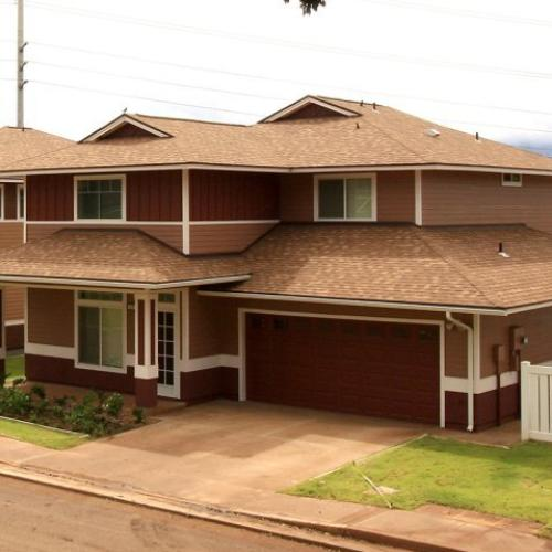 3-bedroom SO home, single famiy home with 2-car garage and fenced in yard