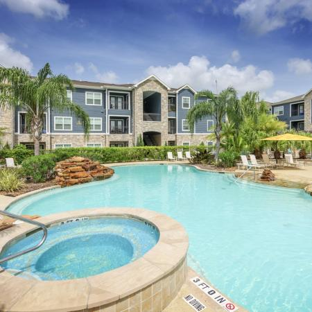 Kemah Apartment Swimming Pool - Summerbrooke Apartments