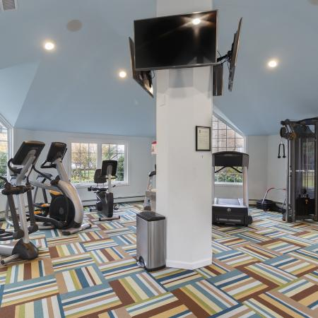 Massapequa Apartment Fitness Center - Southpoint Apartment Homes