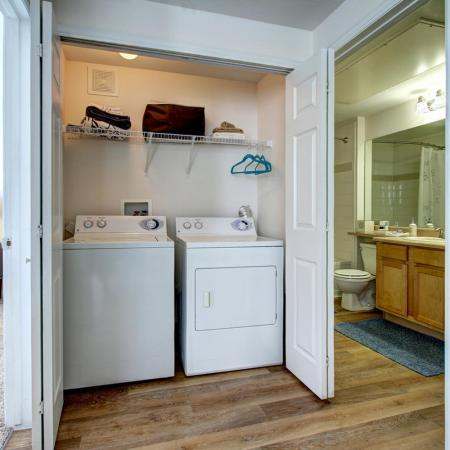 Parker Apartment Laundry Room - Briargate On Main