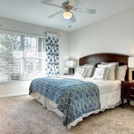 Parker Apartment Bedroom - Briargate On Main