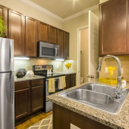 Modern Kitchen | Apartments Aubrey TX | The Estates 3Eighty