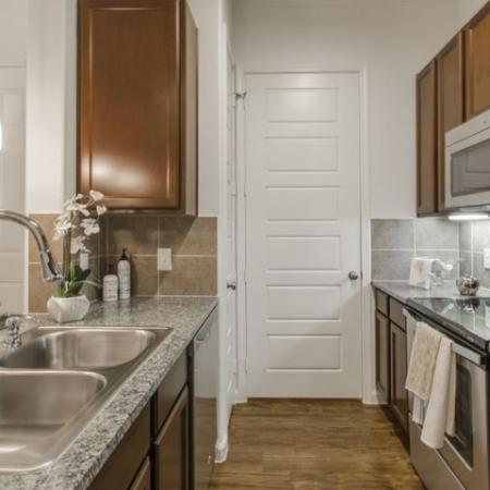 Elegant Kitchen | Apartments In Conroe TX | The Grand Estates in the Forest 2
