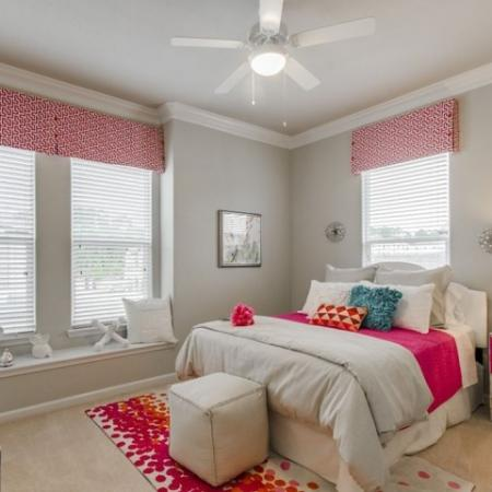 Vast Bedroom | Conroe Apartments | The Mansions Woodland