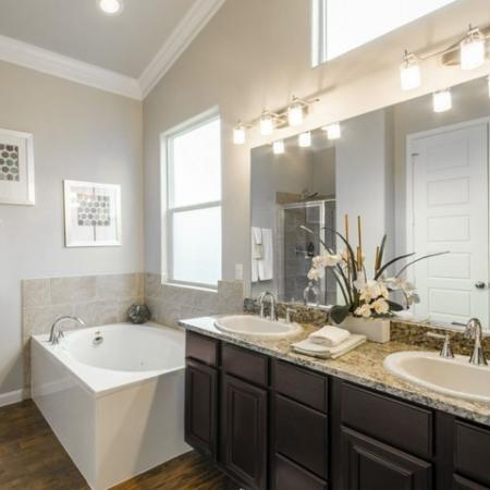 Spacious Bathroom | Conroe Apartments For Rent | The Mansions Woodland