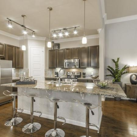Spacious Kitchen | Conroe Apartments | The Mansions Woodland