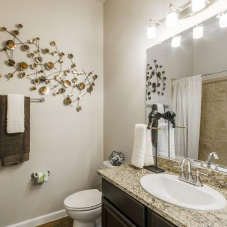 Luxurious Bathroom | Conroe Apartments | The Mansions Woodland