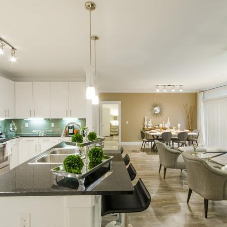 Elegant Living Area   Conroe TX Apartments   The Towers Woodland