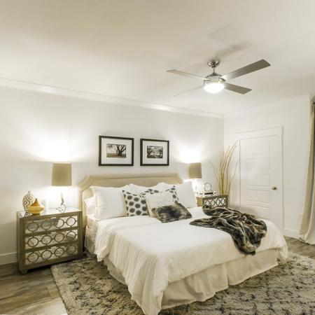 Luxurious Master Bedroom   Apartments For Rent In Conroe TX   The Towers Woodland