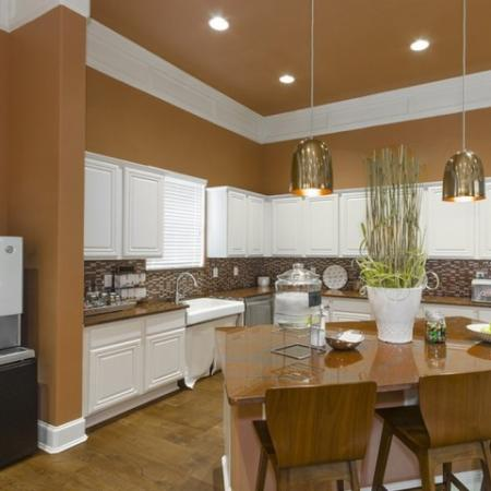 Modern Kitchen | Apartments Near Magnolia TX | The Grand Estates Woodland