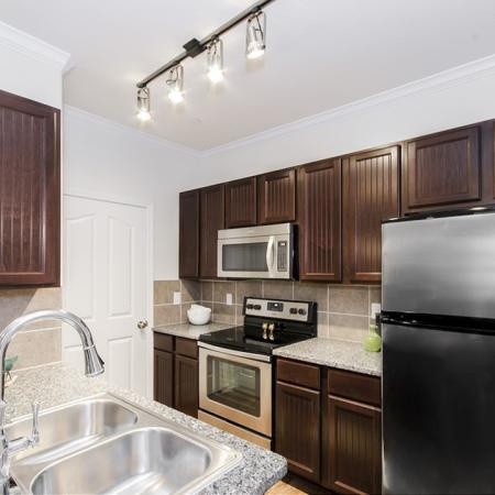 Spacious Kitchen | Apartments In Magnolia TX | The Grand Estates Woodland
