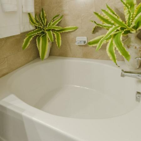 Elegant Bathroom | Luxury Apartments In Wylie TX | The Mansions at Wylie01