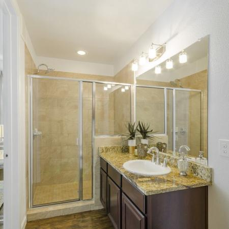 Luxurious Master Bathroom | Apartments Wylie TX | The Mansions at Wylie01