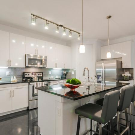 Luxurious Kitchen | Apartments In League City Texas | The Towers of Seabrook