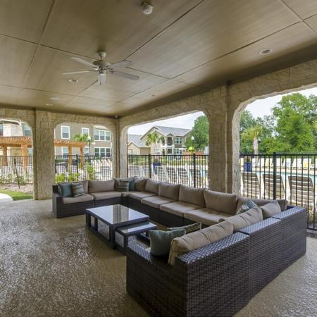 Magnolia TX Apartments | The Mansions on the Park