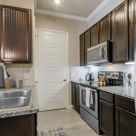 Modern Kitchen | Luxury Apartments In Little Elm TX | Luxe 3Eighty