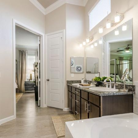 Spacious Master Bathroom | Apartments North Austin | The Mansions at Travesia