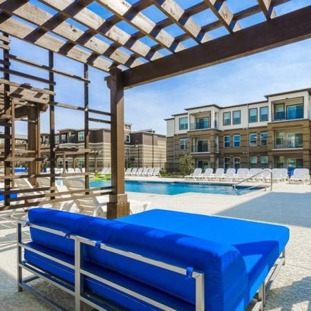 Community Sun Deck | Apartments McKinney TX | The Mansions McKinney