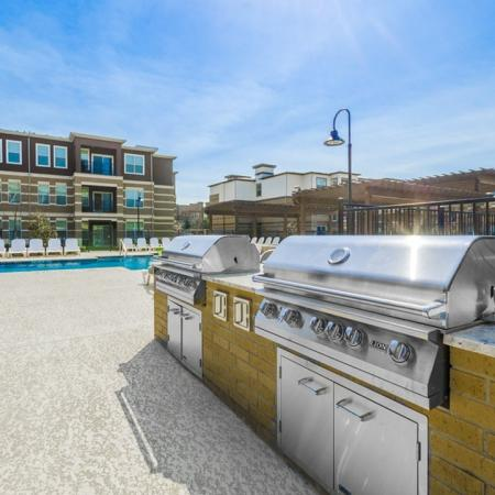 Resident BBQ | Apartments McKinney TX | The Mansions McKinney