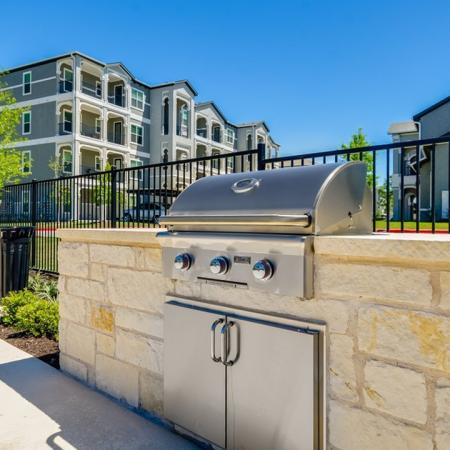 Resident BBQ | Apartments In Austin TX | The Mansions at Travesia