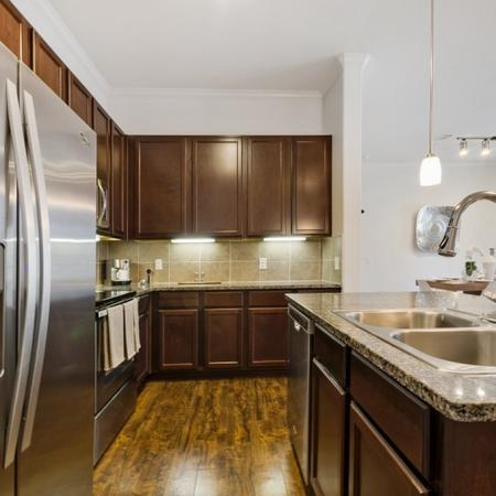 State-of-the-Art Kitchen | CONROE Texas Apartments | The Grand Estates in the Forest