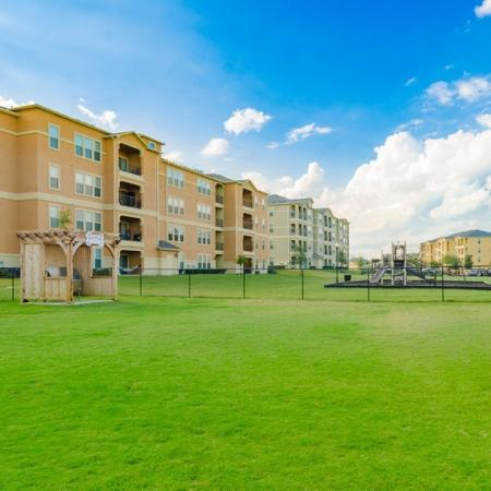 Community Bark Park | Apartments in San Antonio | The Estates at Briggs Ranch
