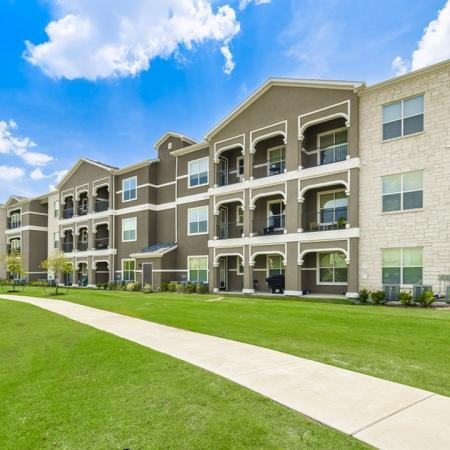 Little Elm Apartments | The Estates 3Eighty