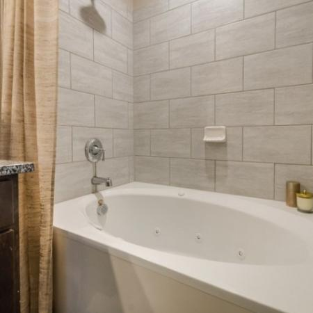 Bathtub | North Austin Apartments | The Mansions at Travesia