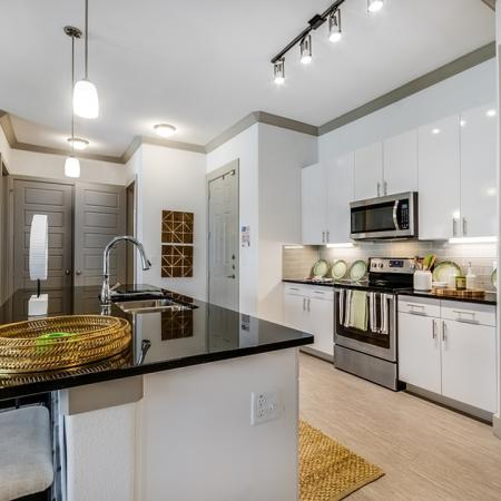 Elegant Kitchen   Apartments In Garland TX   The Towers at Spring Creek