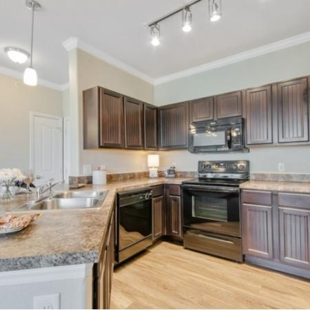 Modern Kitchen | Apartment Homes In San Antonio | The Estates at Briggs Ranch