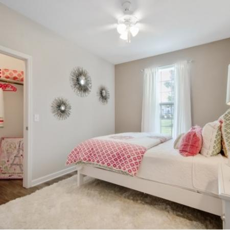 Elegant Bedroom | Apartment Homes In San Antonio | The Estates at Briggs Ranch