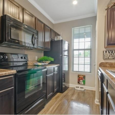Elegant Kitchen | Apartments in San Antonio | The Estates at Briggs Ranch
