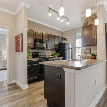 Spacious Kitchen | San Antonio Apartments | The Estates at Briggs Ranch
