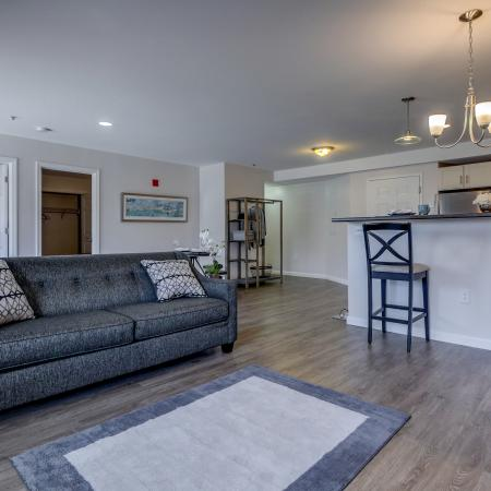 Spacious Living Area | Manchester New Hampshire Apartments | Carisbrooke at Manchester